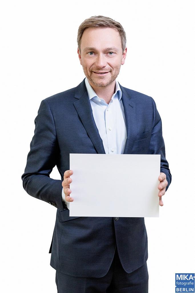 Portraitfotografie Berlin - Titelfoto für Charity München - Christian Lindner FDP